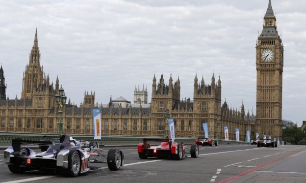 in pictures formula e electric racing cars speed into london   blue