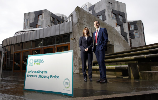 Scottish Parliament, Edinburgh 12.1.16 Marissa Lippiatt (Head of Resource Efficient Scotland) and David McGill (Parliament assistant Chief Executive) with the Resource Efficient Pledge certificate. Picture Copyright: Iain McLean, 79 Earlspark Avenue, Glasgow G43 2HE 07901 604 365 photomclean@googlemail.com www.iainmclean.com All Rights Reserved No Syndication