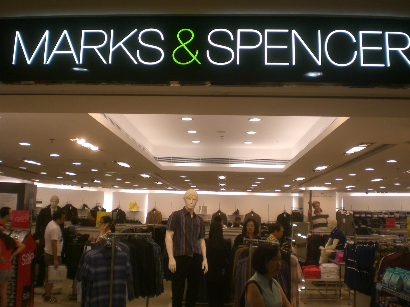 Marks & Spencer turns to biogas to cut carbon emissions