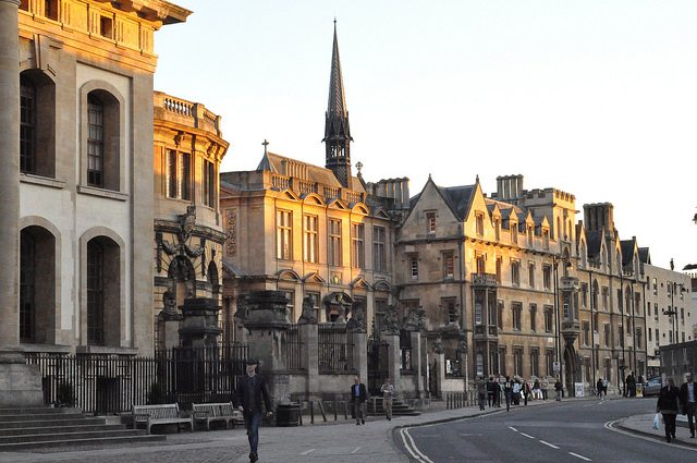 Oxford University pledges to stay away from oil and coal investments