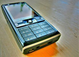 Mobile phone by Wowbagger, the Infinitely Prolonged via Flickr