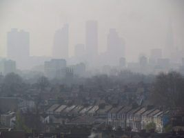 London Air Pollution View from Hackney April 10 2015 005 by David Holt va Flickr