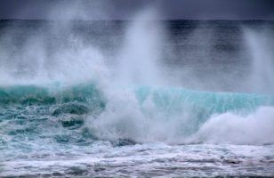 Waves by Tony Hisgett via Flickr