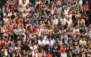 crowd by Espen Sundve via Flickr