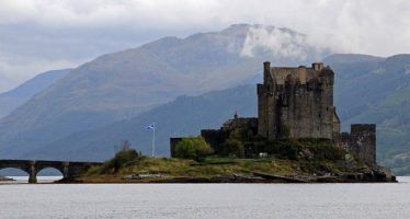 Castle Eilean Donan by scott1346 via Flickr