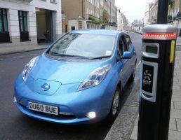 electic-car-london-by-department-for-communities-and-local-government-via-flickr