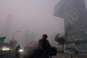 smog-beijing-by-%e5%a4%a7%e6%9d%a8-via-flickr