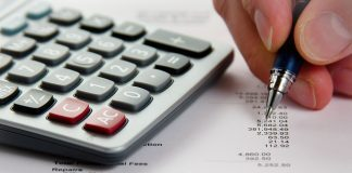Analyzing Financial Data by Dave Dugdale via flickr