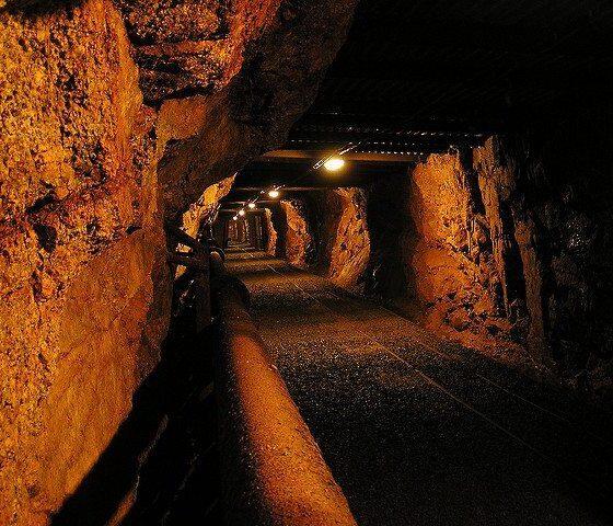 Drift of Harrachov Mine by Jakub Friedly via flickr