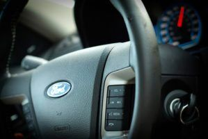ford-fusion-hybrid-wheel-by-beth-via-flickr