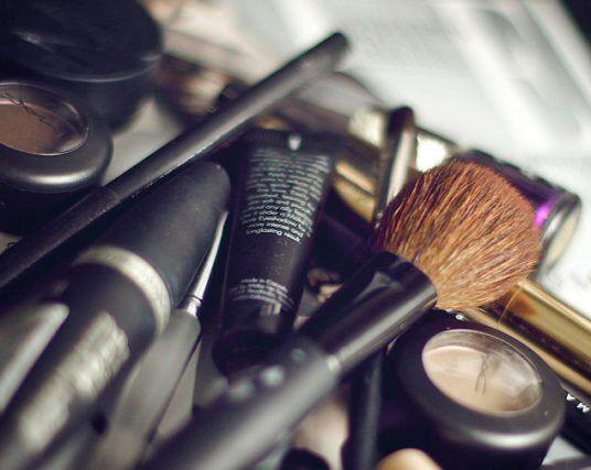 make-up-by-maria-morri-via-flickr