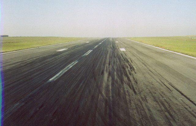 Runway by Chris Eason via flickr