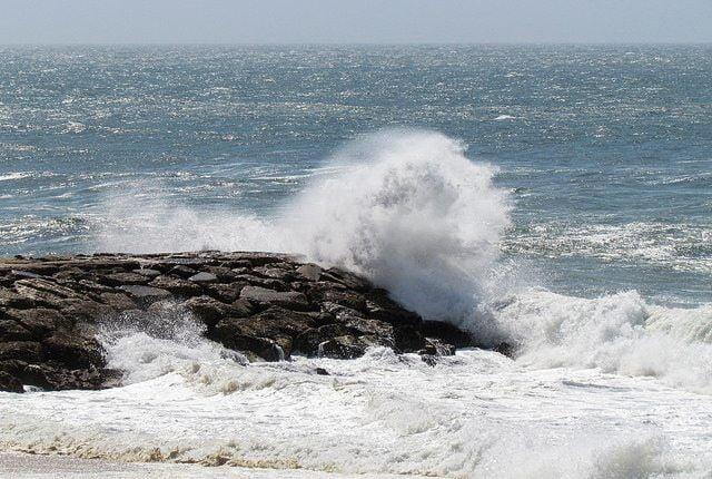 Sea by daniel via flickr