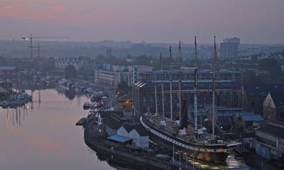 UK - Bristol - Sunrise from Cliftonwood by Harshil Shah via flickr