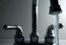 running faucet By Steve Johnson Via Flickr