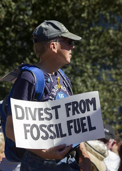 Divest from fossil fuel by Quinn Dombroski via flickr