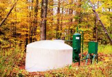 Natural Gas Well by Andy Arthur via flickr