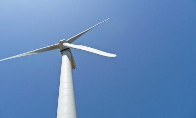 wind turbine by Paulo Valdivieso via flickr