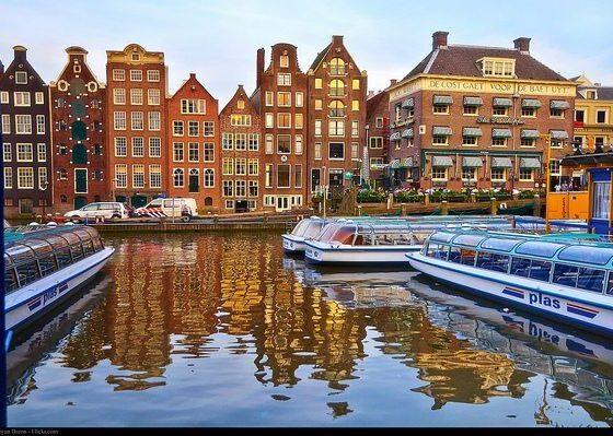 Amsterdam by moyann brenn via flickr