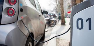 Electric car charging station by Hakan Dahlstrom via flickr