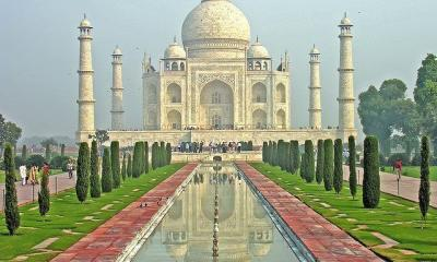 India-6099 - Taj Mahal by Dennis Jarvis via flickr