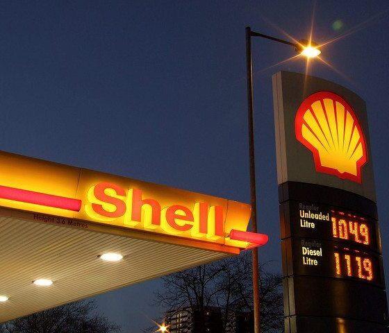Shell - Bluecoats by Lee Jordan via flickr
