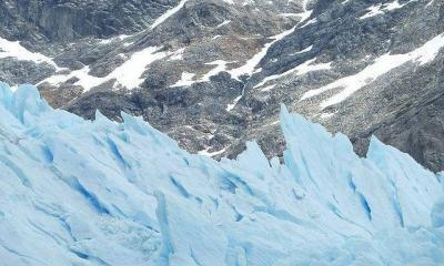 glacier by edith schreurs via flickr