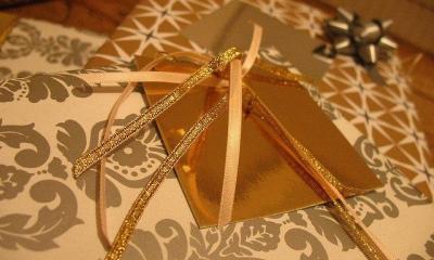presents by alice harold via flickr