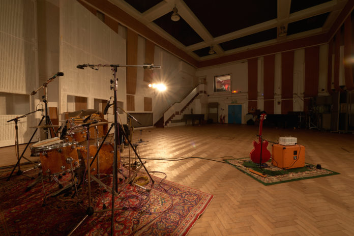 Ecotricity Now Powering Universal Music And Abbey Road Studios