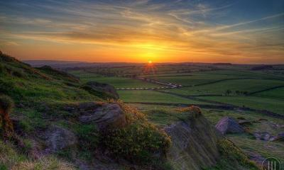 Almscliffe Crag Sunset by James Whitesmith via flickr