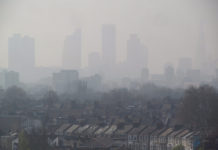london-air-pollution-view-from-hackney-april-10-2015-005-by-david-holt-va-flickr