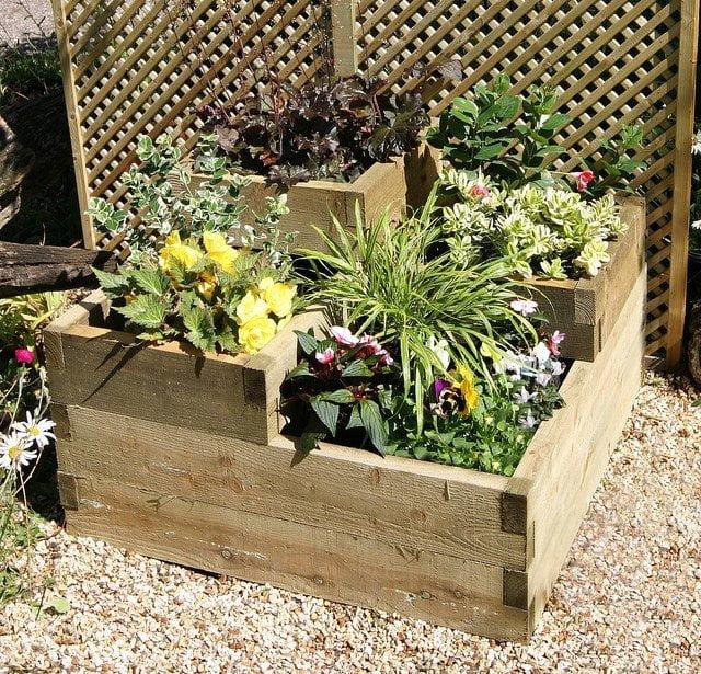 stack raised garden beds
