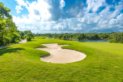 country clubs are going green