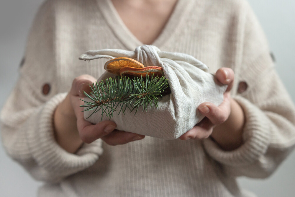 zero waste gifts for a sustainable holiday