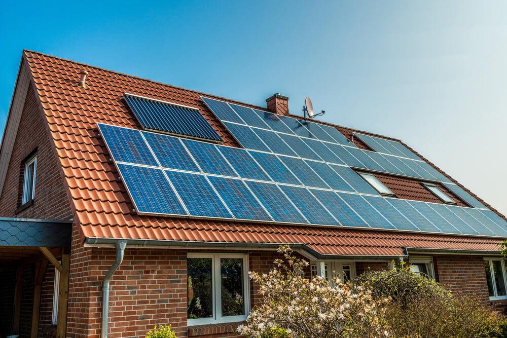 active vs solar power