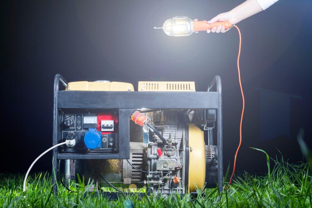 solar power vs. generator for eco-friendly homesteads